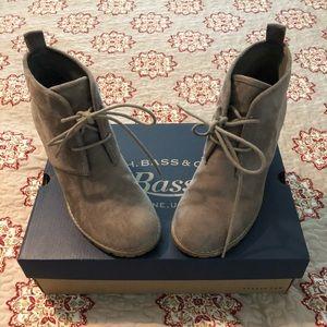 Bass Cali-Stone boots